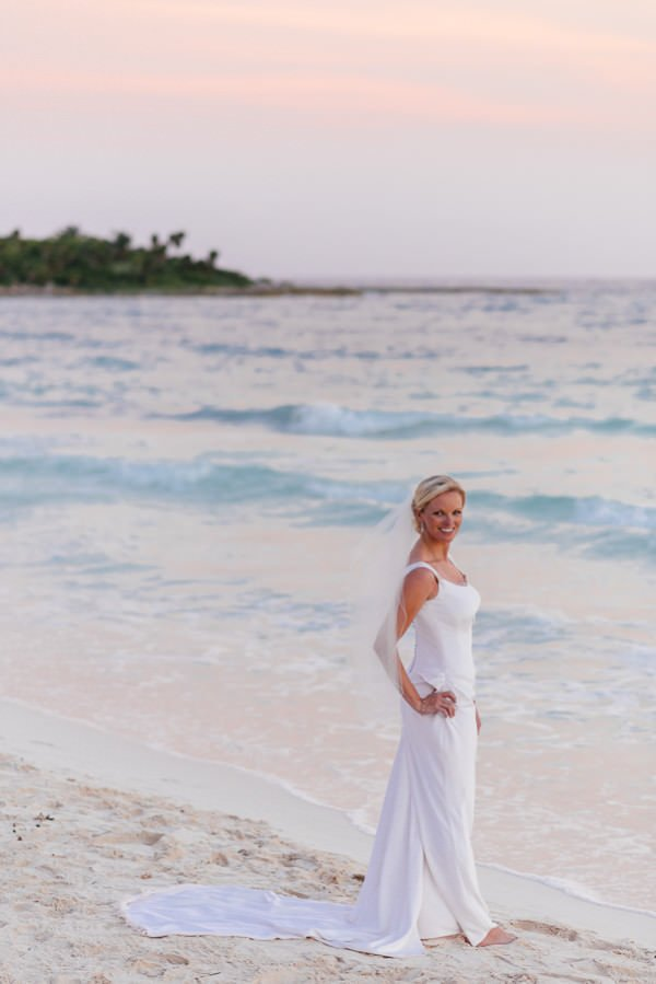 For her destination wedding, bride Alison knew she wanted a dress that was both sexy and sophisticated.